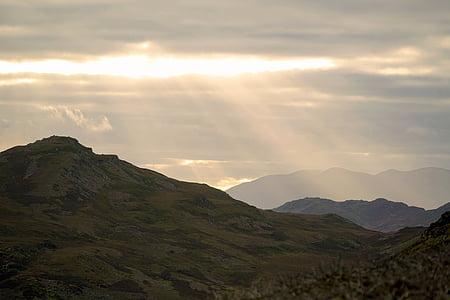 al atardecer, montaña, puesta de sol, naturaleza, cielo, paisaje, Crepúsculo