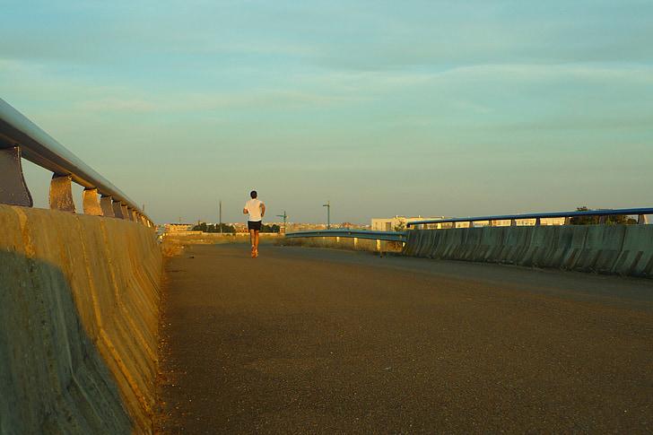 corredor, atleta, Pont, porta d'entrada, posta de sol, carrera, en solitari