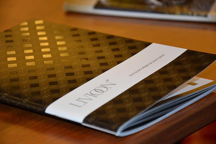 livioon, parfém, pero, pohár, školení, setkání, Polská společnost