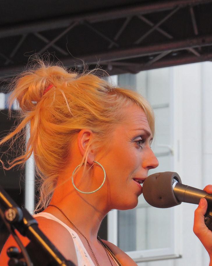 girl band, katzenjammer, entertainment, microphone, concert