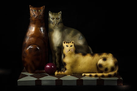 cats, felines, tchotchke, carved wood, figurine, cat eyes, house cats