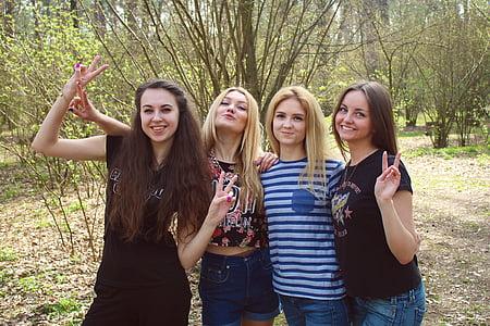 dievčatá, priatelia, Funny spoločnosť, priateľka