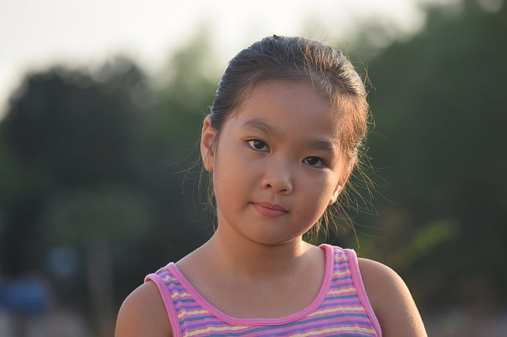 portrait, backlit, the afternoon, face to face, girl, young, vietnamese
