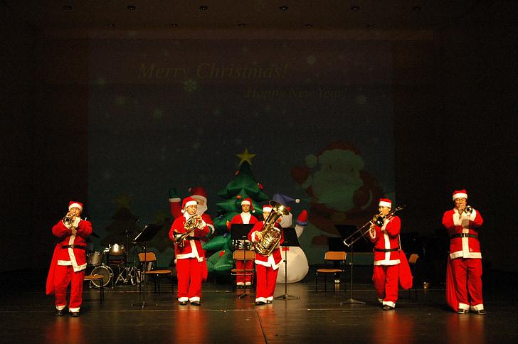 Jõulukontsert, vaimu ansambel, Näita