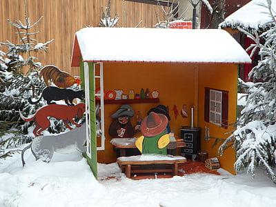 Predator, músics de Bremen, contes de fades, bosc de conte de fades, cobert de neu, neu, casa de camp