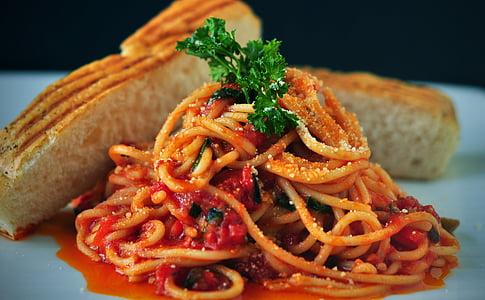 pasta, spagetid, Itaalia köök, tomatikaste, leib, Antipasti