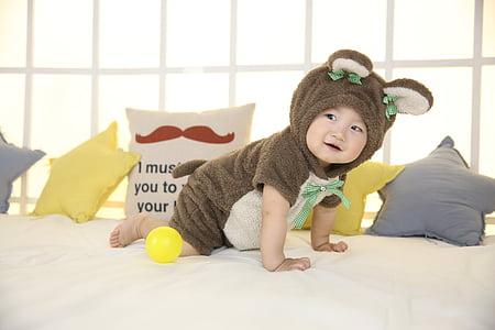 słodkie dziecko, chłopczyk, szczeniaki, dziecko, łóżko, Dzieciństwo, ładny