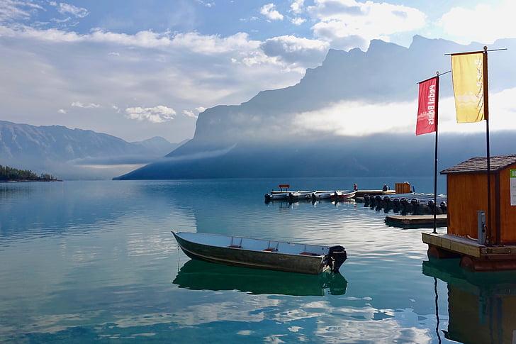 idilliskā, Scenic, pārdomas, laivas, rāms, piestātne, klusums