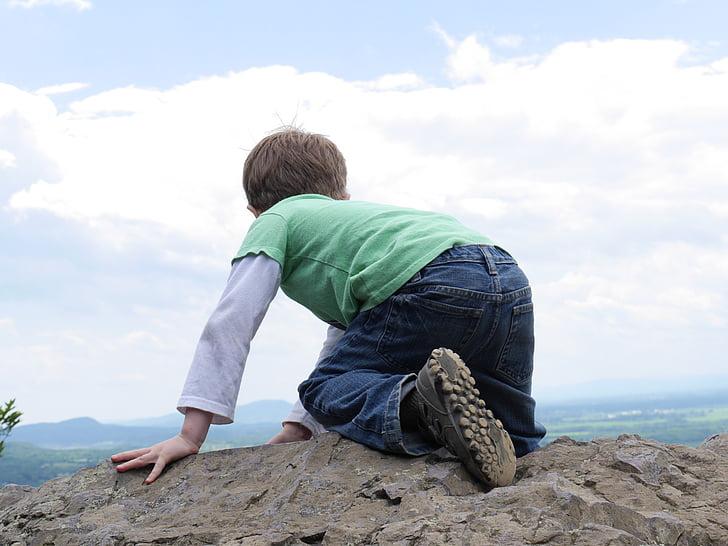 nen, pujar, arrossegant-se, escalada, noi, educació infantil, Roca