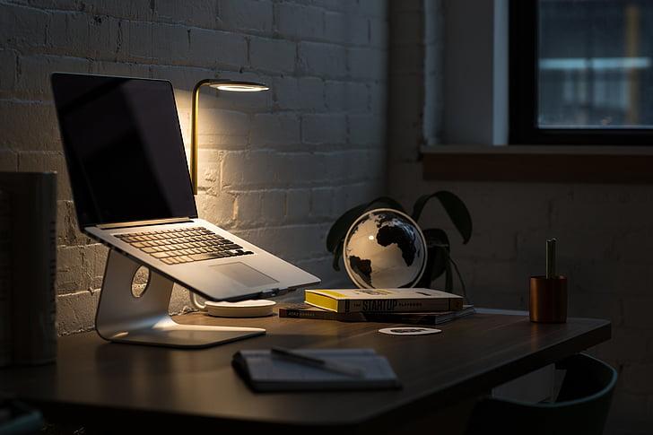 Apple, počítač, prehliadač, výskum, štúdia, škola, podnikanie