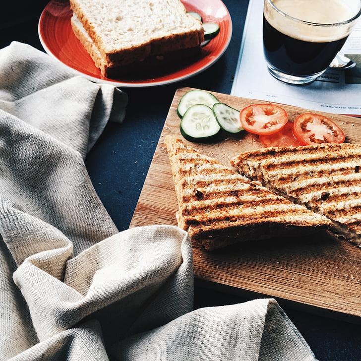 sandvitx, a la brasa, torrat, dinar, cafè exprés, pa, un aperitiu