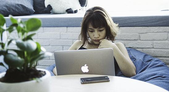 business woman, laptop, macbook, macbook pro, smartphone, woman, working
