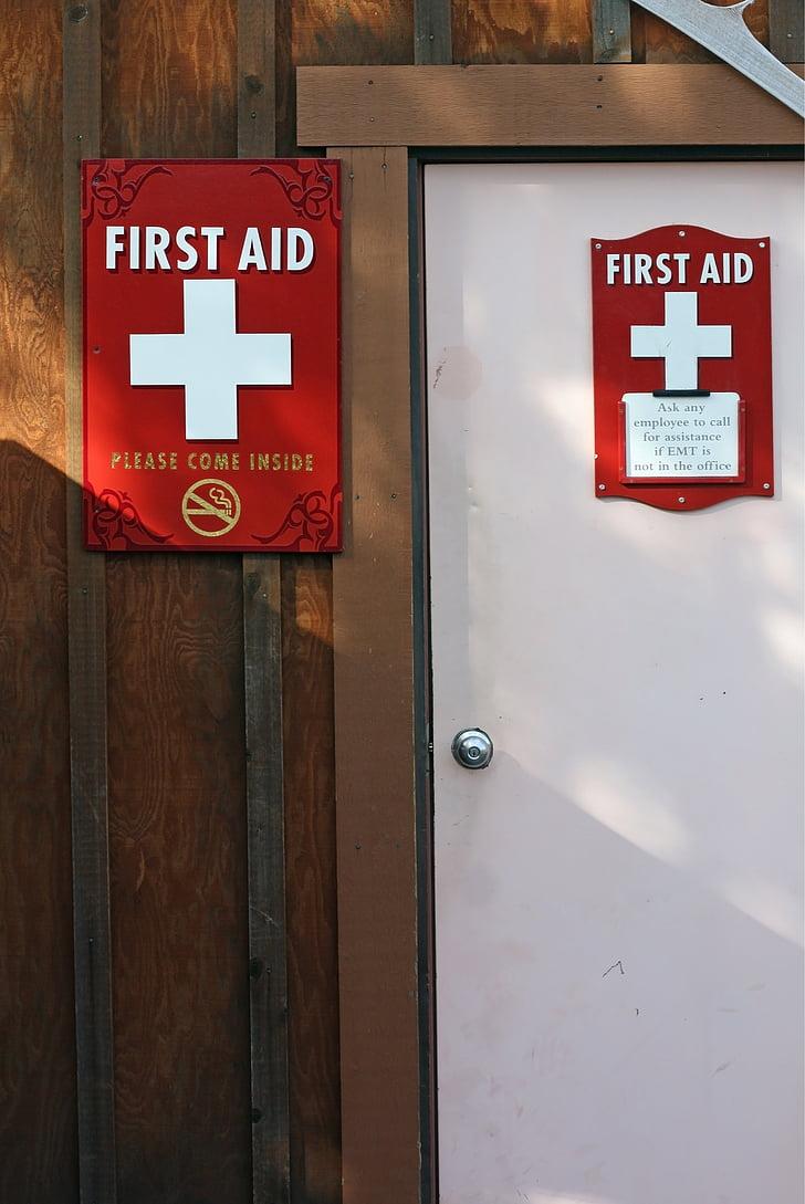 primers auxilis, l'estació de, porta, mèdica, primer, ajuda, d'emergència