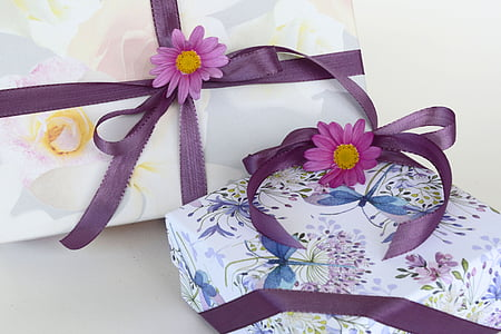 gifts, loop, satin ribbon, wrapping paper, made, gift, celebrate