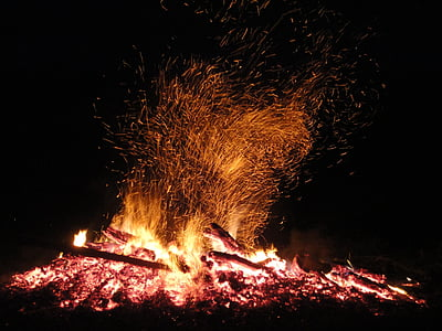 foguera, foc, foc de Pasqua, fusta, flama, cremar, incendi