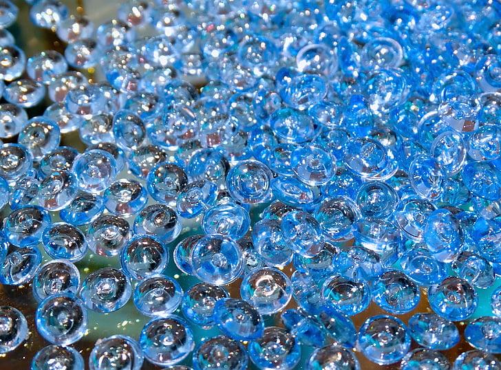 glassperler, perler, glass, plast, glassaktig, gjennomsiktig, blåaktig