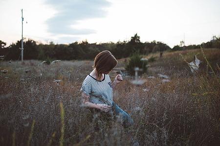 Děvče, tráva, rostliny, Sólo, Žena
