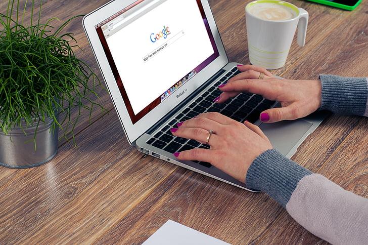 osoba, pomocou, MacBook, vzduchu, hnedá, drevené, Tabuľka