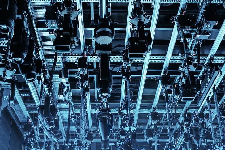 tecnologia, avançat, llums, sostre, cables, indústria, equips