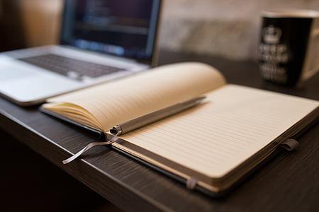 cuốn sách, bút, mở, máy tính xách tay, sản phẩm nào, dây chuyền, nơi làm việc