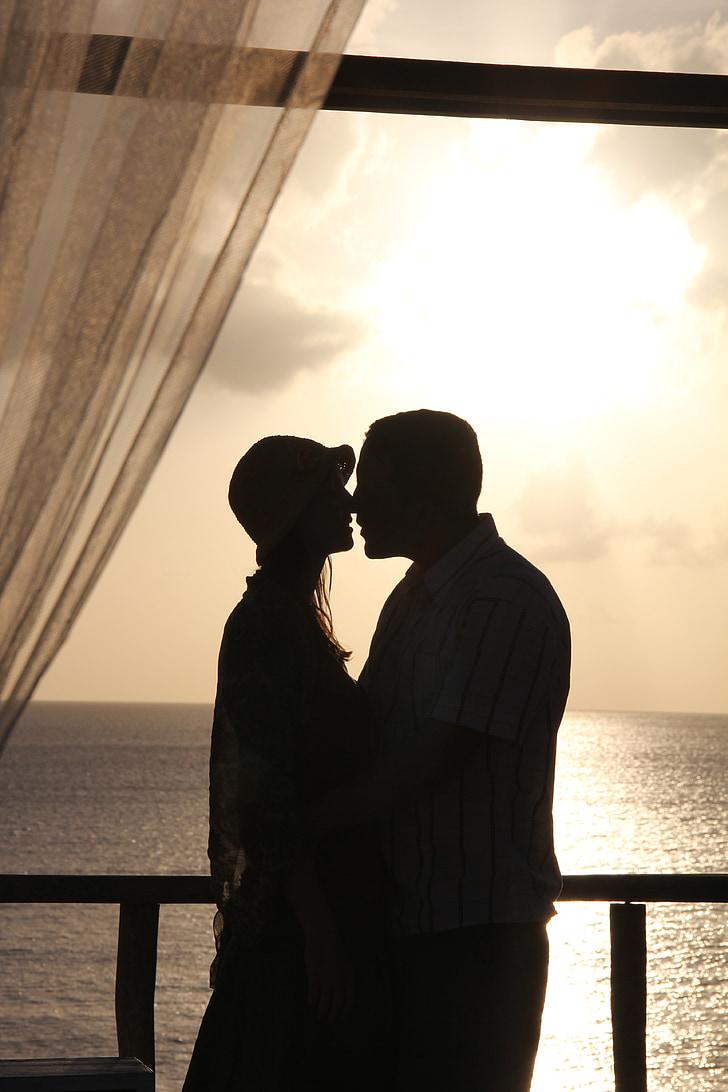 l'amor, amants, petó, posta de sol, romàntic, Romanç, parell