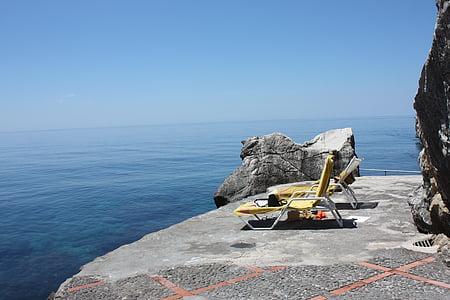 Entspannen Sie sich, Meerwasser pool, Liegestuhl