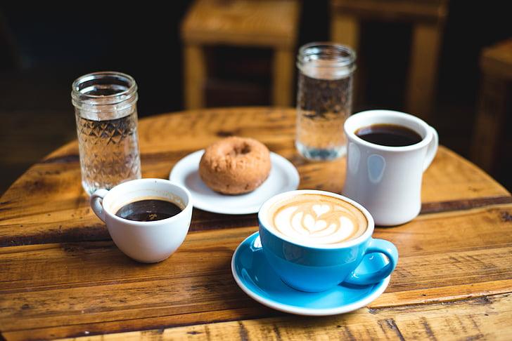 zila, keramikas, tējas tasīti, Sauer, kūku, kafijas, pārtika