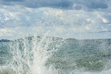 στη θάλασσα, κύματα, νερό, βράχια, σπρέι, Riva, Άνεμος