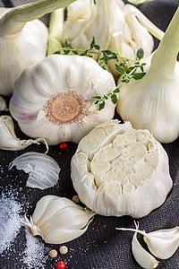 küüslauk, küüslaugu küünt, köögiviljad, vürtsid, maitseained, toidu, tervise