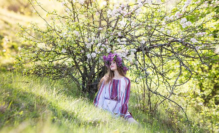 mergaitė, pavasarį, gėlės, gražu, šviesos, švelnumas, Ukrainka