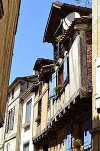 Bergerac, carrer estret, carrer vell, finestra, Persianes, Dordonya, França