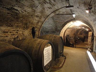 Cave, baril, tonneau de vin, tonneaux en bois, barriques, stock, underground