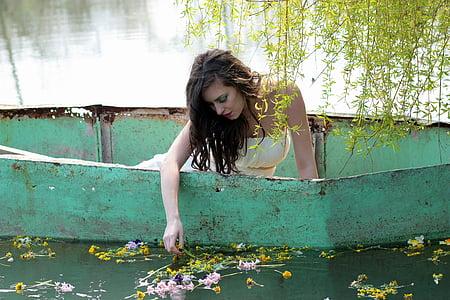 Tüdruk, paat, vee, lilled, Ilu, naised, Õues