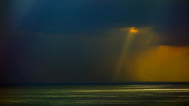 Odessa, antes da chuva, raio de sol, água, sem pessoas, natureza, à noite