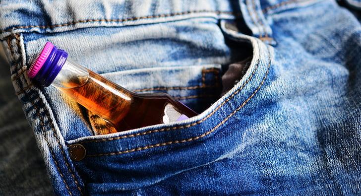 tasku, põuepudel, Brandy, Alkohoolikute, alkoholi tarbimisharjumuste, teksad, alkoholi