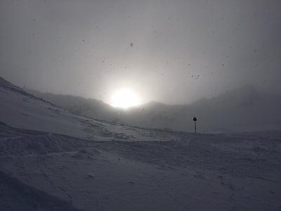 flocs de neu, boira, sol, l'hivern, estat d'ànim, neu, torna la llum