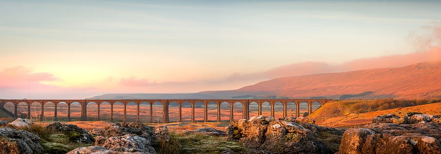 ribblehead-broen, ribblehead, Yorkshire dales, Yorkshire, lys, soloppgang, gylden
