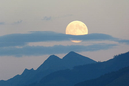 pilns mēness, mēness, Super mēness, mākonis plume, krēslas, krāsu nianses, kalni