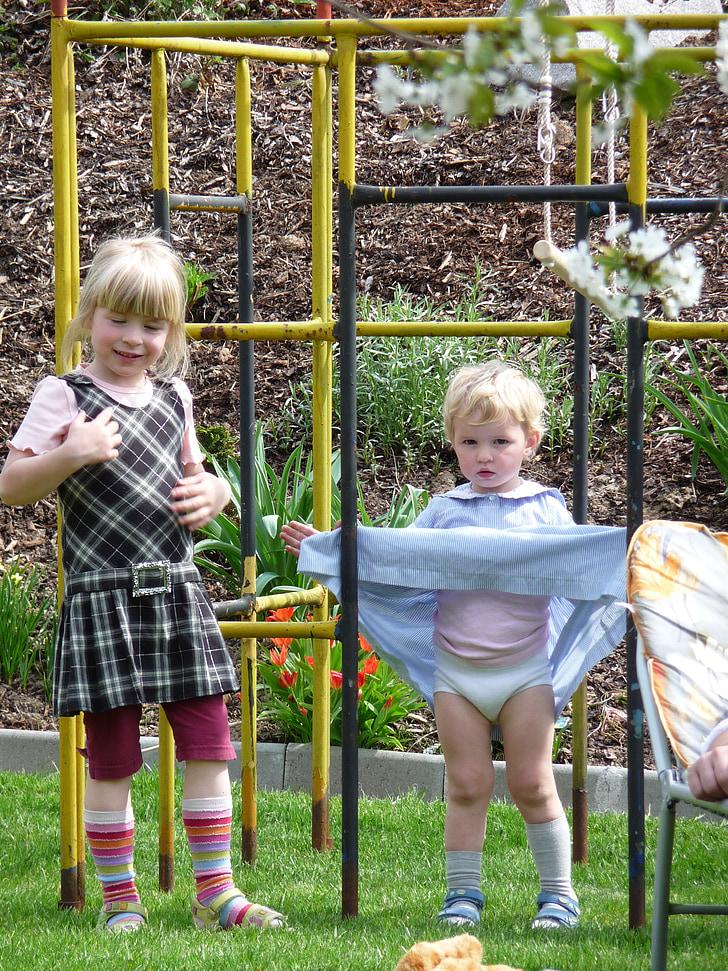 Detské ihrisko, hrať, deti, dievča, stúpanie, šaty, blond