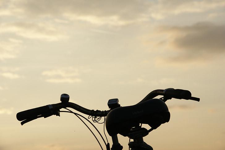 cel, bicicleta, torna la llum, núvols
