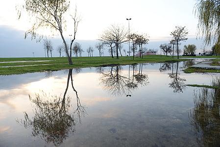 reflection, istanbul, suadiye