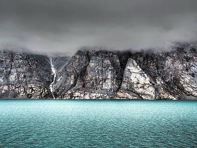 Baffinův ostrov, Kanada, hory, Já?, oceán, obloha, mraky
