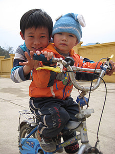 children, infants, kids, bicycle, bike, vietnam, kids on bicycle