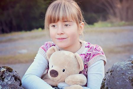 ανθρώπινη, το παιδί, Κορίτσι, πρόσωπο, αρκουδάκι, Ξανθιά, έξω