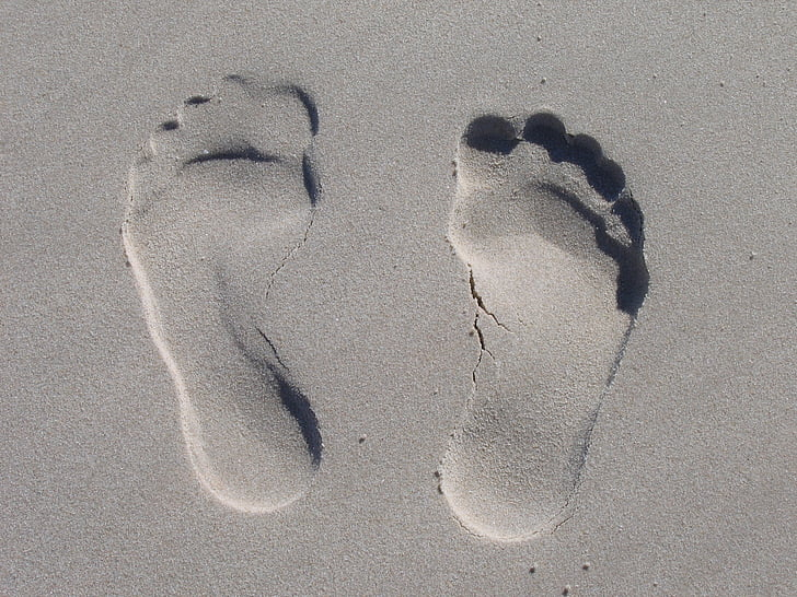 ทราย, พิมพ์อีกครั้ง, ฟุต, แต่เพียงผู้เดียว, สิบ, ความประทับใจ, ชายหาด