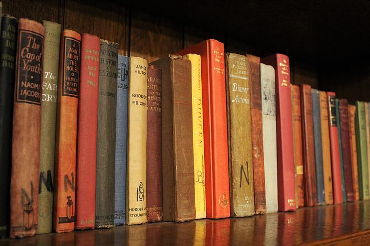 boeken, boek, boekenplank, bibliotheek, lezen, literatuur, plank