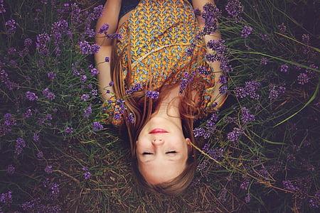 Děvče, levandule, spí, štěstí, fialová, květiny, Žena