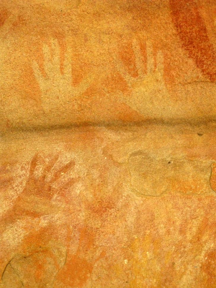 kaya sanatı, Bronz duvar, yerli kültür, el şekli, Blue Dağları, Avustralya