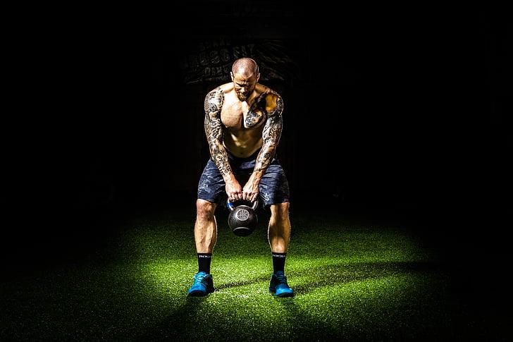 fosc, esforç, exercici, gimnàs, gimnàs, amb Kettlebells, home