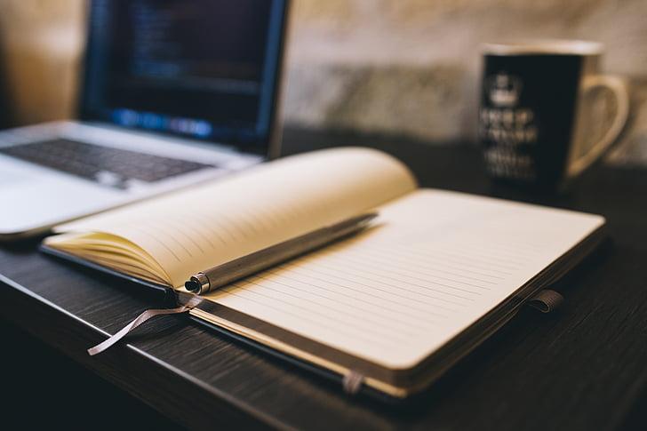 Blogging, negoci, cafè, ordinador, redacció de textos publicitaris, informació turística, portàtil